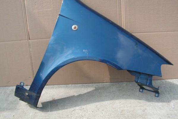 Punto III Pravy predny modry blatnik