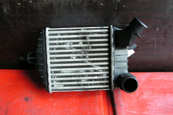 Fiat Punto II/III 1.9Jtd Intercooler 46764253