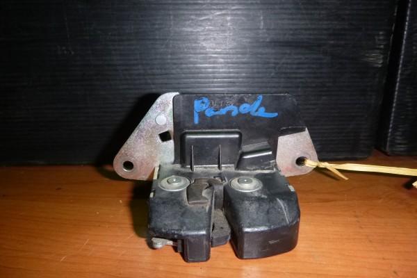 Fiat Panda 2 Zamok Kufra