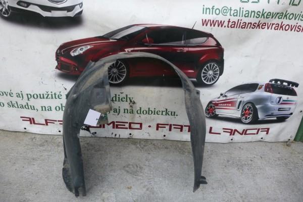 Fiat Linea Pravy Predny Podblatnik