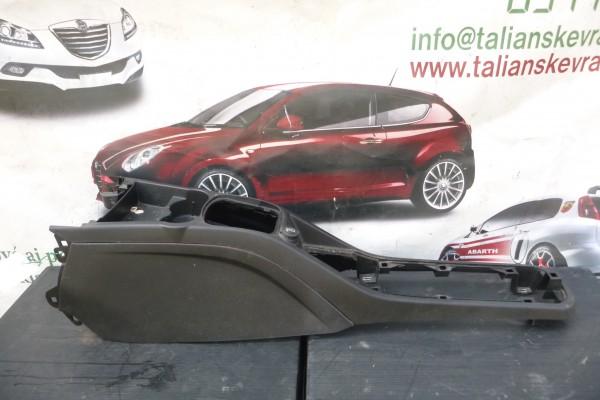 Fiat Grande Punto Stredny Tunel