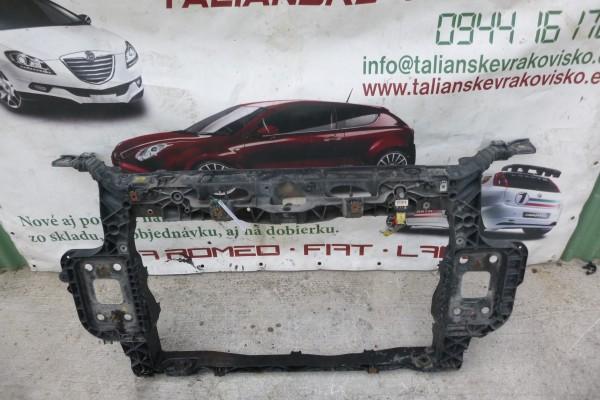 Fiat Grande Punto Predne Celo Poskodene