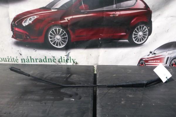 Fiat Grande Punto Ramienko Stieraca Lavy Predny
