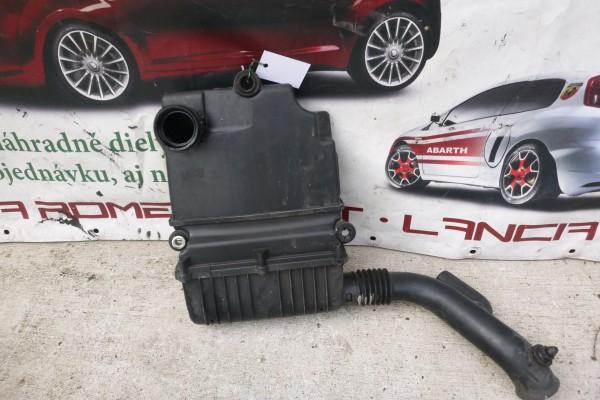 Fiat Grande Punto 1.2/1.4Benzin Obal Vzduchoveho Filtra 51773400 Poskodene
