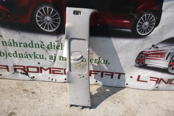 Lancia Phedra Krytka B-Stlpika Lava strana