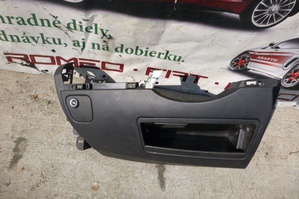 Lancia Phedra Plast pod volant 1846646000