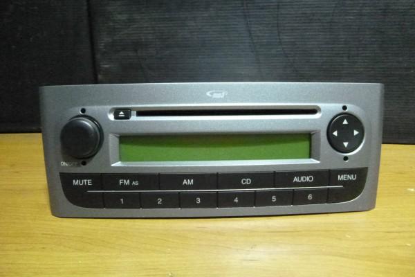 Fiat Grande Punto Nove Radio CD/MP3 735481301