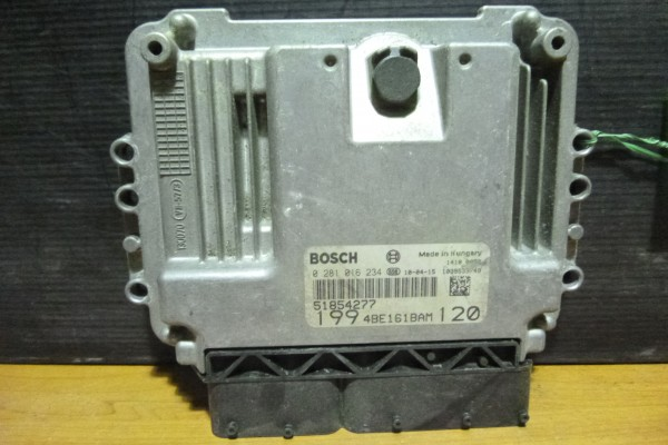 Fiat Punto Evo 1.6jtd  Riadiaca Jednotka Motora 51854277