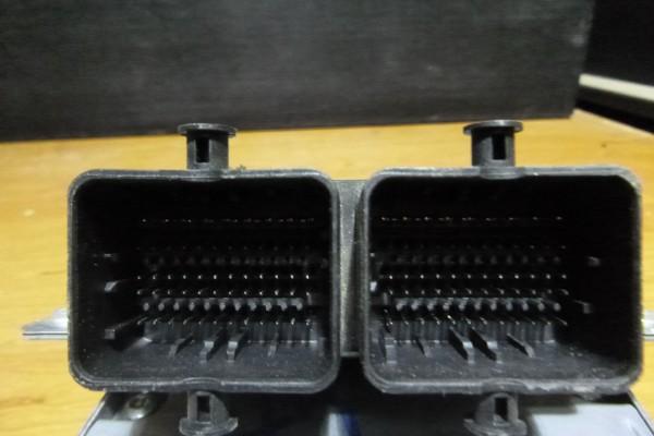 Fiat 500 1.2 riadiaca jednotka motora 52032653