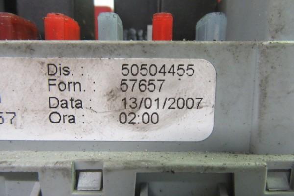 Alfa romeo 159 poistkova skrinka 50504455