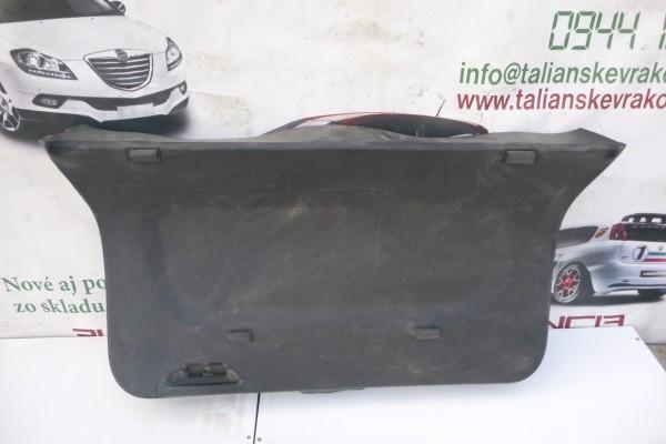 Fiat 500L Plast kufrovych dverí 735522324