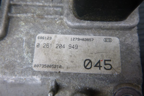 Alfa Romeo 156 2.0TS Riadiaca Jednotka Motora 735005210