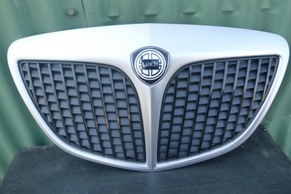 Lancia Ypsilon 2 Nova Matna Chromova Predna Mriezka 735423503