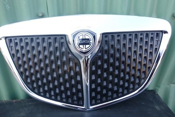 Lancia Ypsilon 2 Predna Mriezka Nova Originalna 735459659