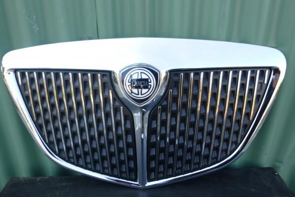 Lancia Ypsilon 2 Nova Predna Originalna Mriezka 735434126