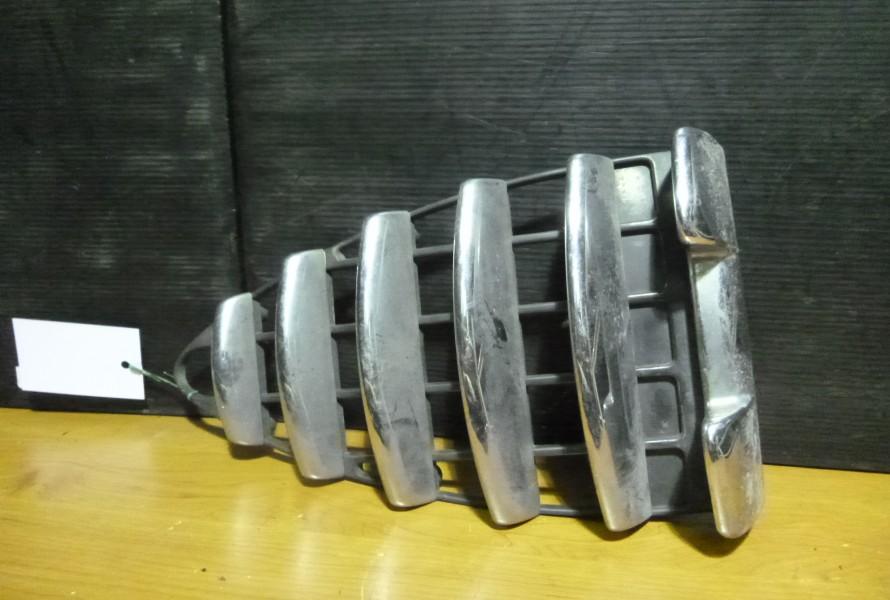 Alfa Romeo 147 predna mriezka 46556597
