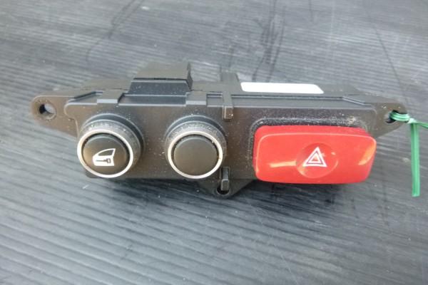 Alfa romeo 159 Vypínač výstražných smeroviek 156067821