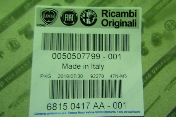 Alfa Romeo 159 Nova nalepka proti kamenom na pravy zadny blatnik 50507799