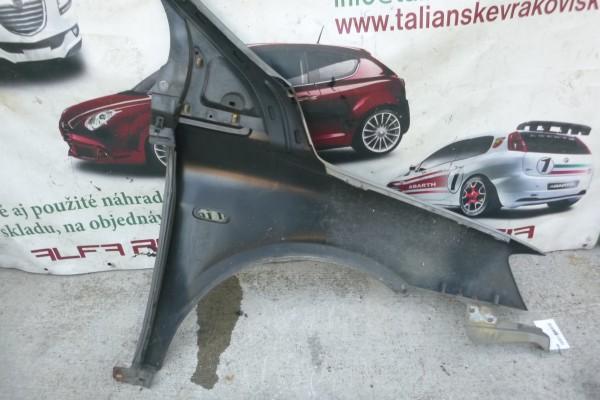 Fiat multipla 2lavy predny poskodeny blatnik