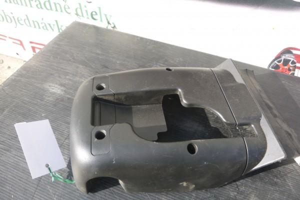 Alfa romeo 159 plast pod volant