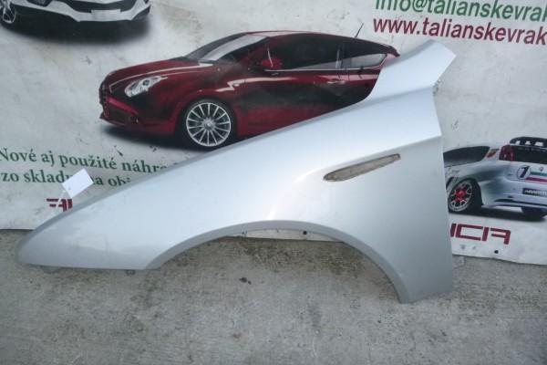 Alfa romeo 159 lavy predny blatnik