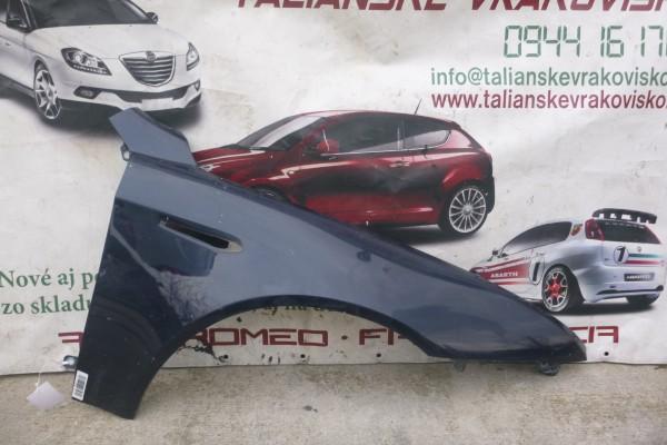 Alfa romeo 159 pravy predny modry blatnik