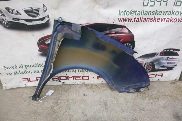 Fiat Doblo 3 lavy predny modry blatnik