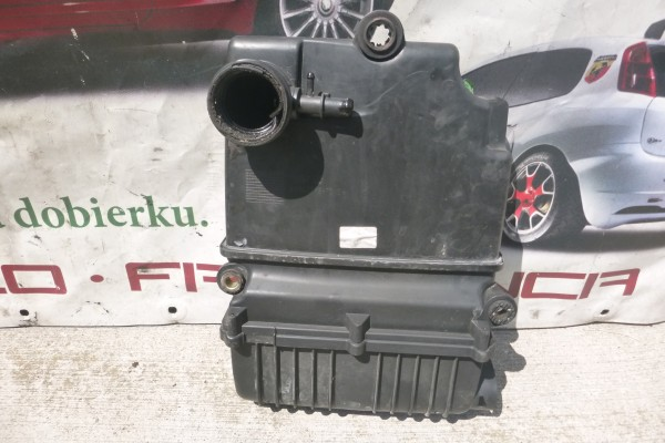 Fiat Grande Punto 1.4 8v benzin obal vzduchoveho filtra 51773400