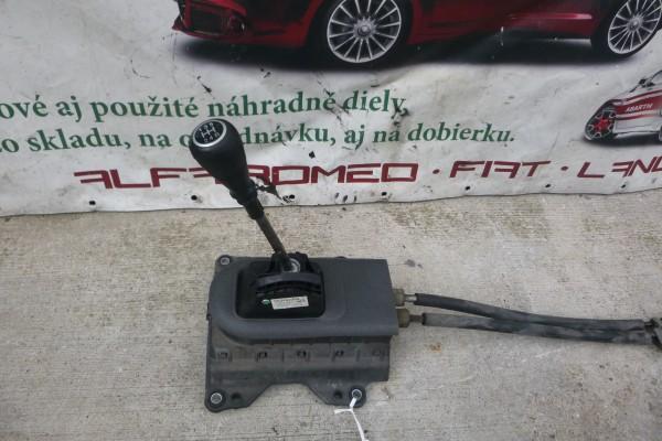 Fiat Grande Punto 1.3diesel kulisa radenia+bovdeny 55348499