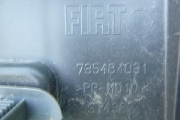 Fiat 500 plast kufra 735484031/poskodeny