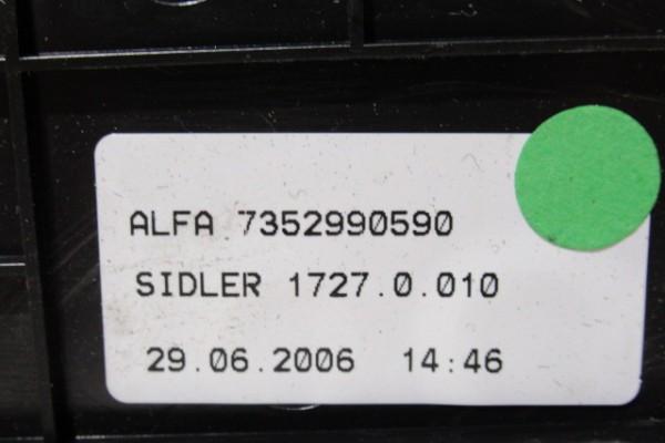 Alfa Romeo 147 drziak napojov 735299059