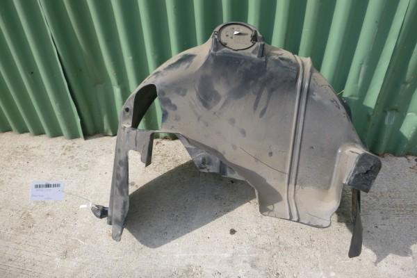 Fiat 500 pravy zadny podblatnik/poskodeny